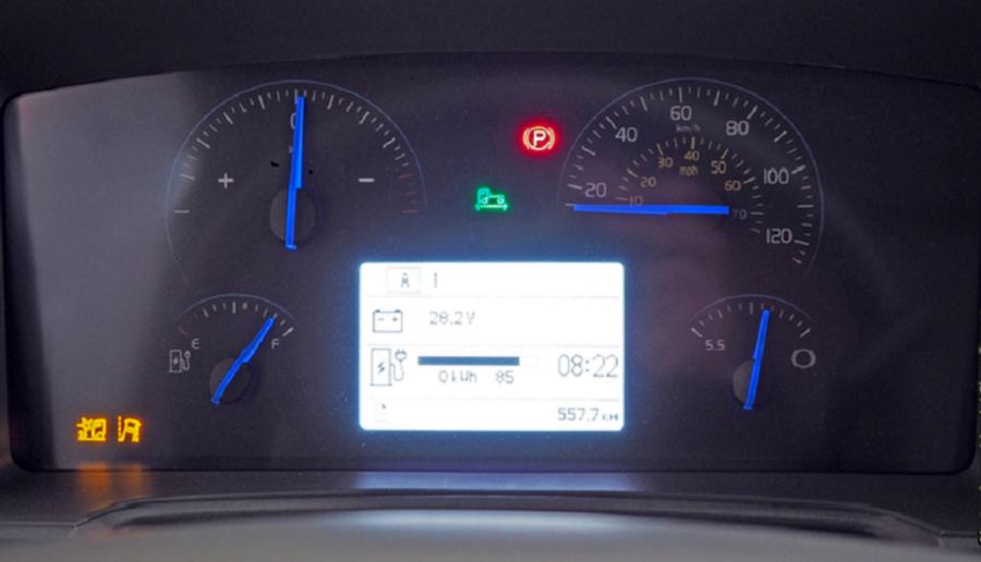 Volvo FL Electric. Панель приборов